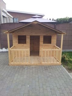 www.goodshomedesign.com diy-pallets-playhouse 4