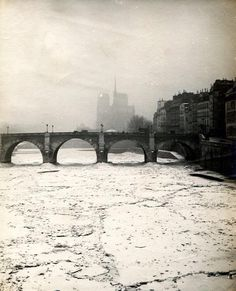 The Best Vacation Destinations In France – Travel In France Old Pictures, Old Photos, Vintage Photos, Photo Vintage, Paris Images, Paris Photos, Best Vacation Destinations, Best Vacations, Paris Eiffel Tower