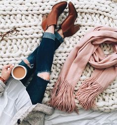 Cozy with my ☕️ before the day begins! Who else is not ready to get back to reality just yet?My favorite cardigan is currently on major sale + my @madewell ankle booties are marked down, too!Idk about y'all, but retail therapy is real for me..I may just have to treat myself to a pick-me-up & shop the rest of these awesome New Years sales before they end!Click the link in my profile for outfit details (linking to my knit blanket too!) or shop with @liketoknow.it http://liketk.i...