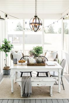 Search images of sunroom designs as well as decor. Discover ideas for your 4 periods space addition, including inspiration for sunroom decorating as well as formats. Decor, Home Decor Kitchen, Farmhouse Dining, Farmhouse Decor, House With Porch, Sunroom Decorating, Farmhouse Remodel, Home Decor, Farmhouse Style Kitchen