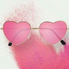 SABADOS DE COLOR GLAM  A ver chicas quienes salen a ver la vida en rosa?  Recuerda donde vayas llevarte tu GLAMSHOOTMAG pronto con grandes sorpresas para ti. #panamafashion #panamaesfashion  #american #top #pty  #runway #style #musics #aruba #miami #doral #colombia #fashion #lifestyle #glam #glamour #estilodevida #glamshootnewsweek #glamshootigers  #panama #venezuela #video #507 #onehappyisland