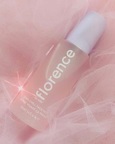 Beauty Care, Beauty Skin, Face Mist, Christmas Aesthetic, Millie Bobby Brown, Aesthetic Makeup, Skin Makeup, Beauty Routines, Lip Gloss