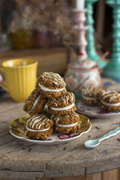 Cookies Carrot Cake Las mejores recetas de cookies saludables Cookies Receta, Breakfast Desayunos, Carrot Cake, A Food, Carrots, Cereal, Gluten, Chocolate Blanco, Sweets
