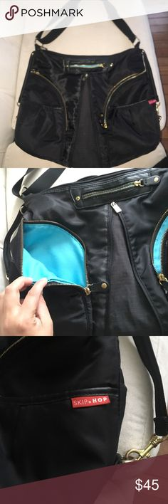 Skip Hop Versa Expandable Diaper Bag Used for a couple of months. Can view wear in photos. Black exterior, teal interior with gold hardware.Great diaper bag! 🍼♥️ Skip Hop Bags Baby Bags