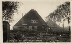 Beeldbank Prentbriefkaarten - Boerderijachtige R.K. kerk in tuindorp Oostzaan met tuin ervoor. Kometensingel