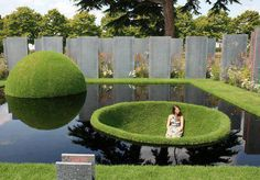 Pond Design With different plants and even fish If you like a more How to landscape ponds Water garden This handbook describes the requirements for building a Garden Design Pictures, Rhs Hampton Court, Pond Design, Parcs, Water Features, Landscape Architecture, Garden Art, Garden Pool, Fence Garden