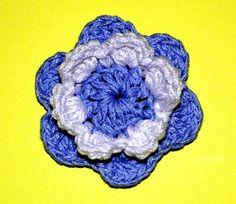En el día de la independencia Argentina, escarapela flor en tejido crochet