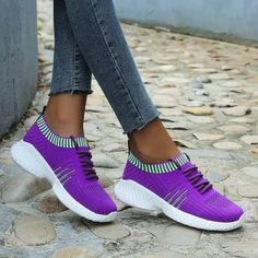 Women Flyknit Fabric Mixed Colors Lace Up Sneakers Burgundy Sneakers, Dress With Sneakers, Dress And Heels, Casual Sneakers, Sneakers Fashion, Fashion Shoes, Sneakers Nike, Popular Sneakers, Bling Shoes