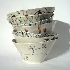 Just fallen in love with Alice Garland's beautiful, pretty ceramics #bowl #ceramics