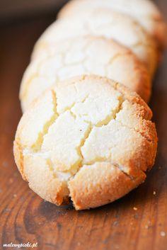 mąka kokosowa, masło lub olej kokosowy oraz miód