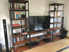 mueble para tv industrial! estantería en hierro y madera Industrial Tv Stand, Tv Rack, Tv Cabinets, Bookcase, Shelves, Furniture, Tv Stands, Home Decor, Tvs