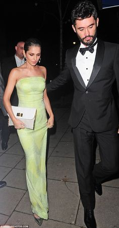 Cheryl Fernandez-Versini is stunning in strapless green dress as she attends charity gala with handsome husband Jean-Bernard Cheryl Cole Style, Celebrity Style Inspiration, Fashion Inspiration, Fashion Couple, Women's Fashion, Fashion Trends, Cheryl Fernandez Versini, Female Singers, How To Look Classy