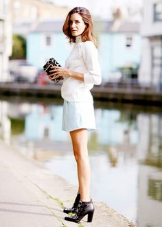 A slim animal print and leather bootie works magically with a soft blue trouser short. Gala Gonzalez, Street Chic, Street Style, Look Short, Summer Outfits Women, Who What Wear, Couture Fashion, Spring, Style Me