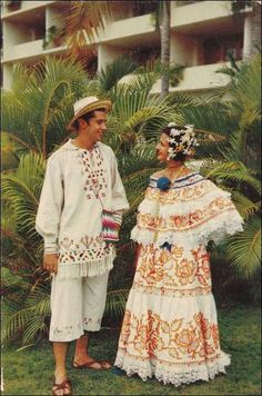 Couple Dressed in Pollera Dress & Montuno Costume During Carnival Time, Panama