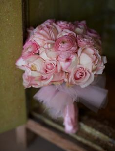 Ning-Ju's bouquet - reminded me of a something a ballerina should carry with the pink satin wrap and tulle collar.