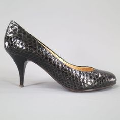 Pre-Owned Giuseppe Zanotti Size 7 Black Python Textured Leather Pumps ($199) ❤ liked on Polyvore featuring shoes, pumps, black, black high heel shoes, black shoes, black high heel pumps, high heeled footwear and black pumps