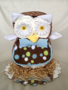 owl diaper cake | Owl Shaped Diaper Cake by BabyBootyDiaperCakes on Etsy