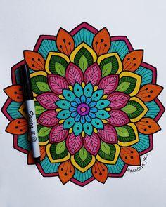 Mandala Doodle, Mandala Art Lesson, Mandala Artwork, Mandala Drawing, Doodle Art, Flower Art Drawing, Sacred Geometry Art, Z Arts, Color Pencil Art