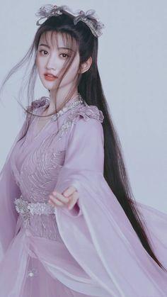 Beautiful Chinese Girl, Beautiful Asian Women, Asian Cute, China Girl, Chinese Clothing, Mori Girl, Traditional Dresses, Girl Hairstyles, Asian Beauty