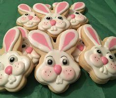Iced Cookies, Easter Cookies, Easter Treats, Cupcake Cookies, Sugar Cookies, Homemade Macarons, Frosting Flowers, Cookie Designs, Decorated Cookies