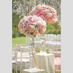 Casamento em tons pastel. #casamento #inspiracao #ideias #pastel #flores #mesas
