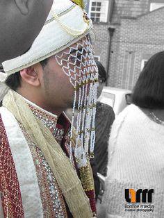 The veiled groom
