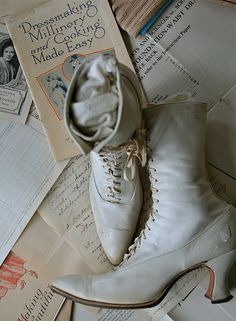 Cool old shoes Victorian White Button up Shoes