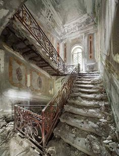 OMG! I would love LOVE to be able to shoot here???? wow!!!! Belgian pilot and photographer Henk van Rensbergen has been exploring abandoned places all his life