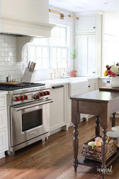 antique white glazed cabinet doors antique white kitchen cabinets antique white kitchen on kitchen organization japanese id=64757