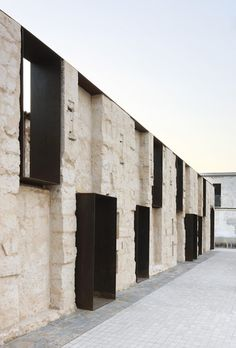 Stone and corten facade - Can Ribas by Jaime J. Ferrer For?s - Palma de Mallorca, Spain Architecture Design, Gothic Architecture, Contemporary Architecture, Industrial Architecture, Windows Architecture, Installation Architecture, Building Architecture, Design Exterior, Interior And Exterior