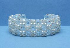 Perle+und+Kristall+Armband+für+die+Braut+von+akcrystalbead+auf+DaWanda.com