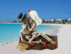 Love on the beach - skeleton style!  Skeleton statues available Retail and Wholesale at Mandarava.com