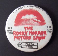 Rocky Horror..... cult classic Rocky Horror Picture Show, Button Badge, Pin And Patches, Badges, Favorite Things, Goodies, Tv, Ideas, Classic