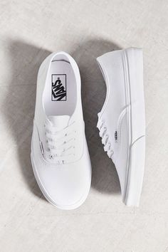 Find all your women's sneaker needs at Urban Outfitters. From slip on sneakers to chunky sneakers featuring brands like Nike, Fila, adidas, Reebok & Vans. White Vans Outfit, White Shoes, White Sneakers, Vans Authentic White, Popular Shoes, Vans Shop, Plimsolls, Canvas Sneakers, Buy Shoes