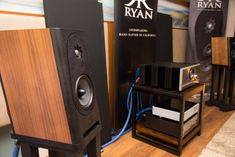 New S610 bookshelf loudspeaker from Ryan Speakers with a PASS Labs INT-250. https://audio-head.com/ryan-speakers-pass-labs-and-ps-audio-the-show-2018/