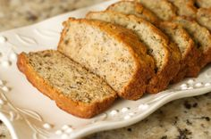 This vegan banana cake recipe makes a moist, delicious quick bread dessert loaf that is lower in fat than other recipes and will hit the spot with all. Apple Bread, Best Banana Bread, Pumpkin Bread, Apple Loaf, Quick Bread Recipes, Pecan Recipes, Banana Bread Recipes, Delicious Recipes, Grain Free