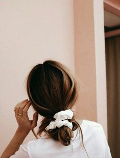 s l o p p y b u ns - Trend Scrunchie Hairstyles Hair Inspo, Hair Inspiration, Look Body, Pretty Hairstyles, Hairstyle Ideas, Scrunchy Hairstyles, Easy Messy Hairstyles, Wedding Hairstyles, Cute Everyday Hairstyles