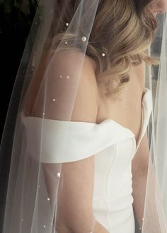 AW Bridal offers wedding veils and other wedding accessories. All styles are chic with good design. Cathedral, long, ivory color, appliques, and rhinestones make the wedding veil unique. Bridal Braids, Bridal Hair, Pearl Bridal, Headpiece Wedding, Wedding Veils, Hair Wedding, Boho Wedding, Wedding Stuff, Loose Hairstyles