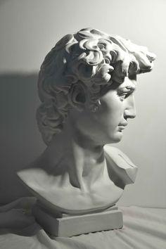 Ancient Greek Sculpture, Greek Statues, Roman Sculpture, Sculpture Art, Statue Tattoo, Classic Portraits, Object Photography, Anatomy For Artists, Pencil Portrait