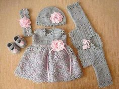 Crochet Baby Dress What an adorable hand-made set! Treasured gift for sure! ༺Ƭ...