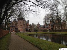 Kasteel de Haar Utrecht, Nederland.  www.heyroets.co.za Utrecht, Castles, Adventure, Mansions, House Styles, Day, Places, Blog, Travel