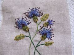 bleuets 001 barbarasangi Flower Embroidery, Embroidery Stitches, Embroidery Patterns, Hand Embroidery, Crafts To Make, Arts And Crafts, Tambour, Punch Needle, Hand Sewing