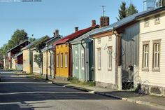 Neristan I - Kokkola vanha puutalo puutalot Neristan perinne asua koti kodikas viihtyisä Karleby katu idylli idyllinen Gamlakarleby kaupunki piiput savupiiput Dream House Exterior, Building Materials, Log Homes, Outdoor Travel, Old Town, Old Houses, My Dream Home, Finland, Architecture