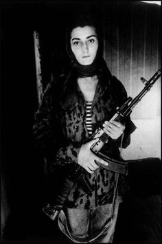Chechen rebel during the first war in Chechnya (1990's) - On the road to Chechnya © Stanley Greene