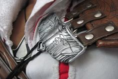 Ezio Pauldron Clips