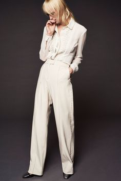 See the complete Zac Posen Resort 2018 collection.