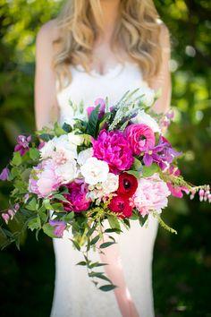 fuchsia and white bouquet - photo by Zoom Theory http://ruffledblog.com/intimate-backyard-wedding-in-malibu