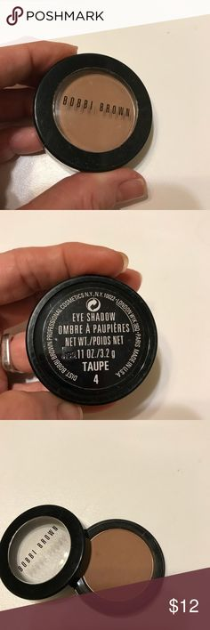 Bobbi Brown Taupe eyeshadow Barely used. Clean. Large 3.2 g powder eyeshadow. Great base color Taupe 4. Bobbi Brown Makeup Eyeshadow