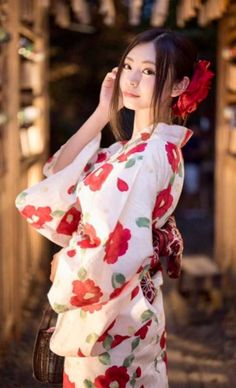 Yukata I 💗 Japanese Girls Beautiful Japanese Girl, Japanese Beauty, Beautiful Asian Girls, Asian Beauty, Kimono Yukata, Oriental Dress, Japan Girl, Japanese Outfits, Cute Asian Girls