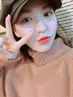 ❣︎「@kimmiecla✌︎」❣︎ Seulgi, Kpop Girl Groups, Korean Girl Groups, Kpop Girls, Wendy Red Velvet, Red Velvet Irene, Kim Hanbin, My Baby Girl, Olaf